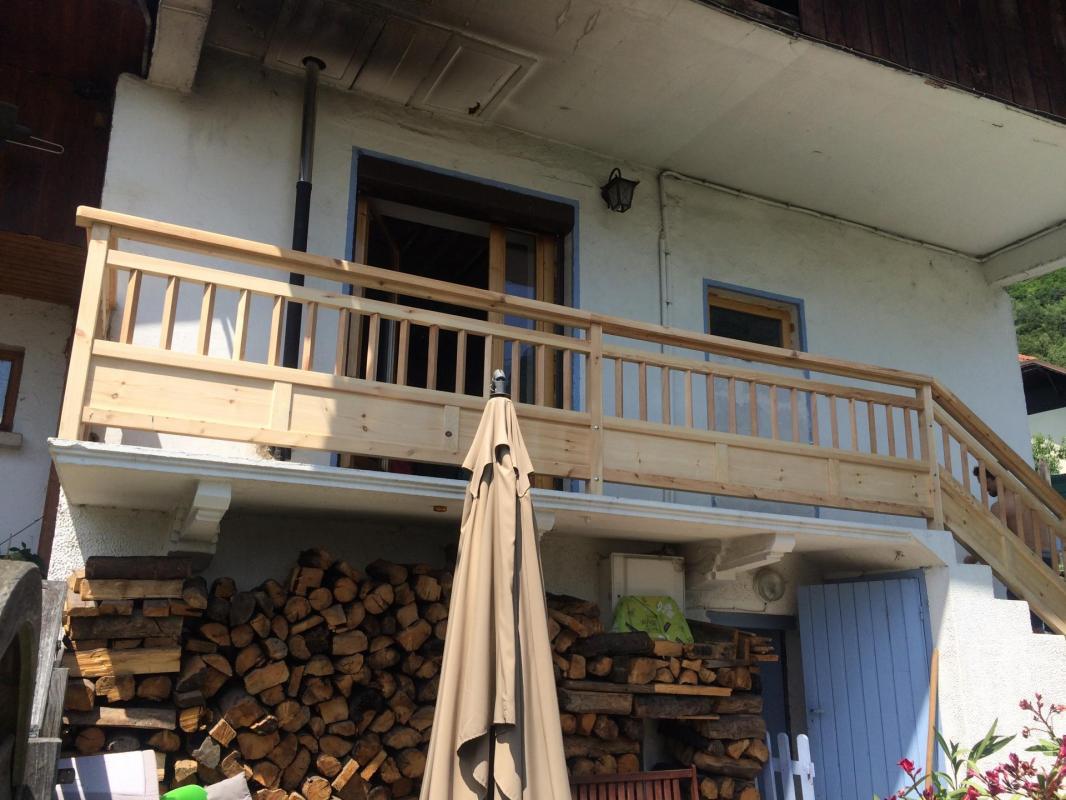 Balcon en pin 1