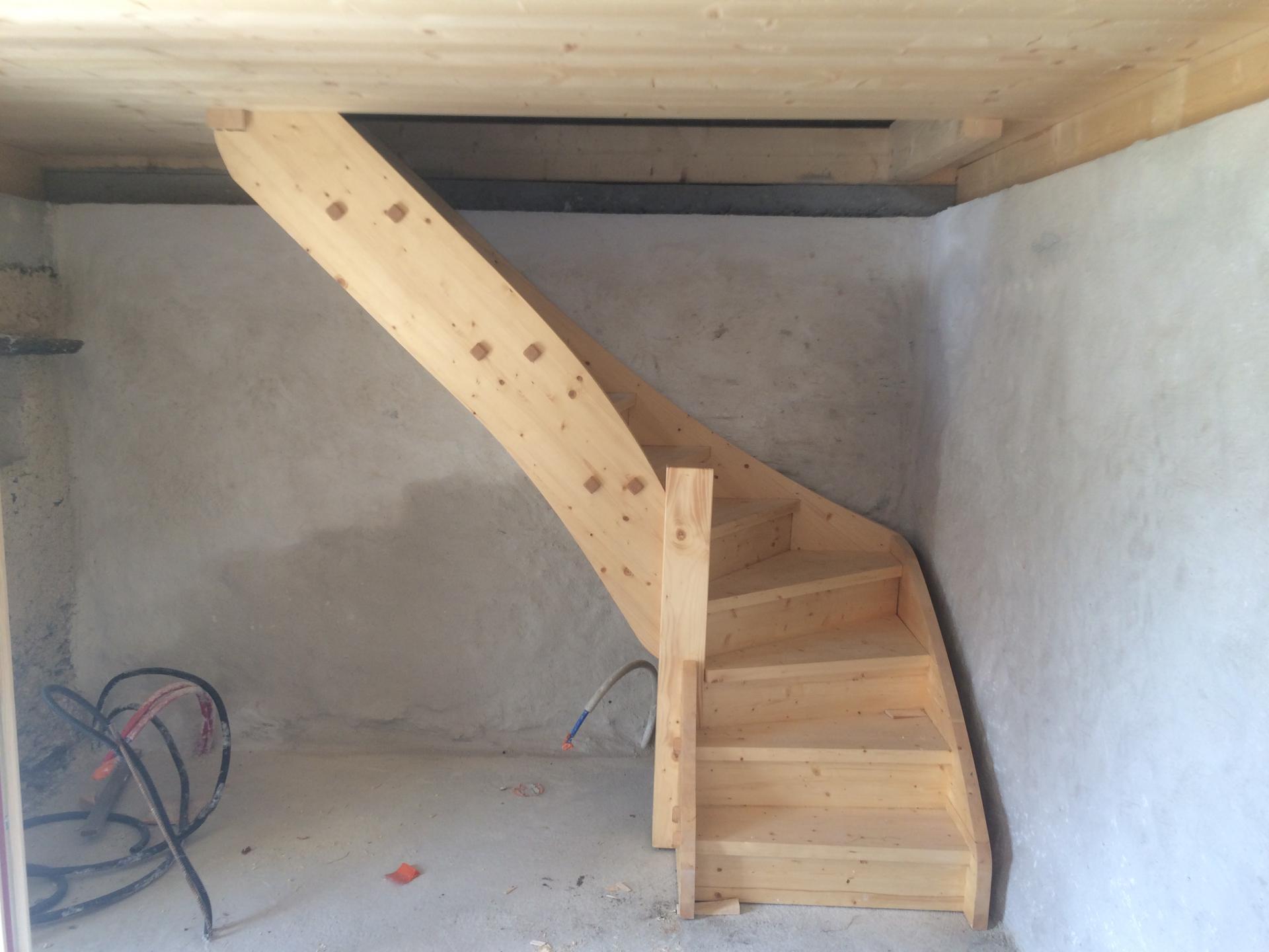 portes rustique en vieux bois et escalier. Black Bedroom Furniture Sets. Home Design Ideas