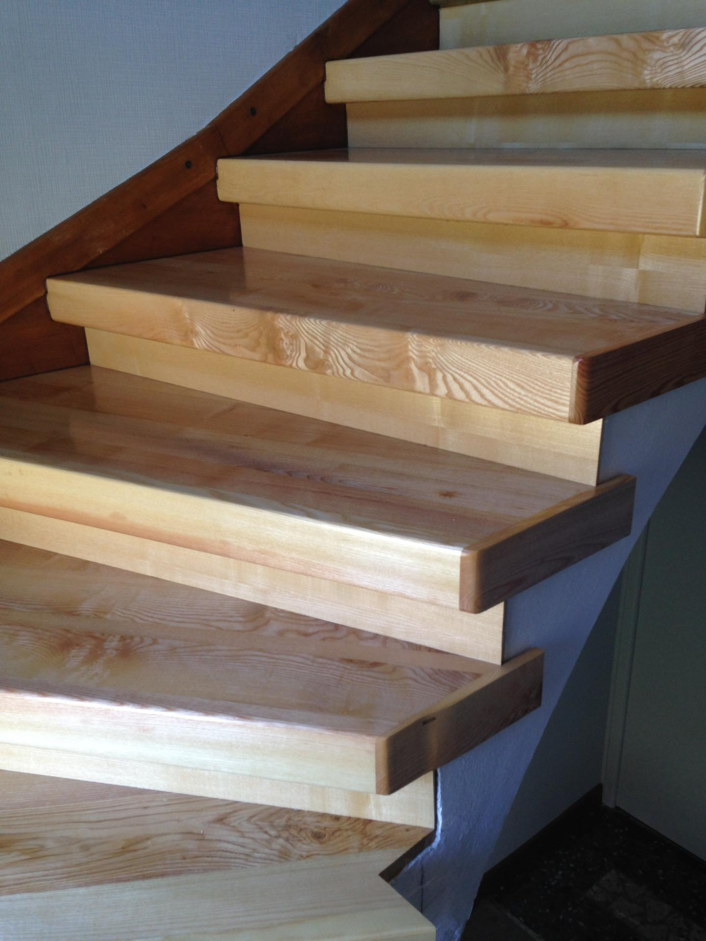 habillage fr ne sur escalier b ton. Black Bedroom Furniture Sets. Home Design Ideas