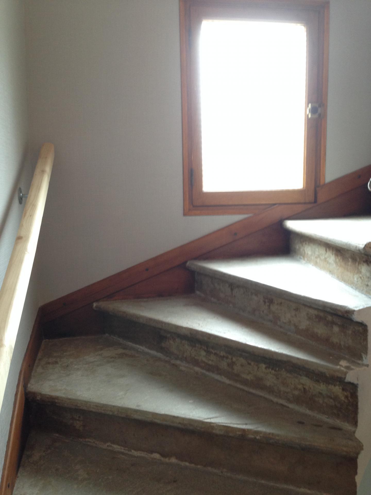 Habillage fr ne sur escalier b ton - Habillage sous escalier ...